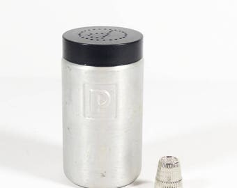 Aluminum Pepper Shaker Range Top Kitchen Shaker Bakelite and Aluminum P Shaker