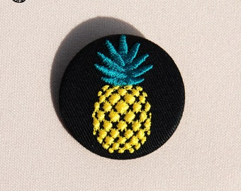 Small embroidered pineapple brooch
