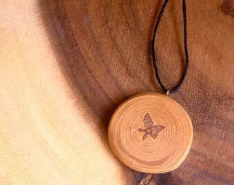 Natural Wooden Pendant, Wood Pendant, Wood Slice Necklace, Rustic Wooden Necklace, Boho Style Pendant, Natural Tree Slice, Bohemian Pendant