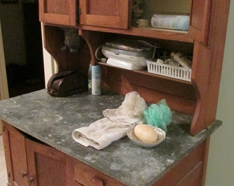 1920-40 Oak Hoosier Cabinet w/ flour bin, sifter. Use Magnifier to see whole photo. Classic Frosted Glass, Free local delivery