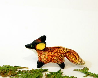 Red Fox Totem Figurine, Animal Miniature, Totembykarhu