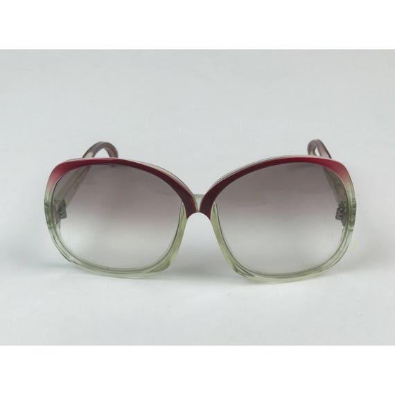 60's Color Fade Oversized Retro Sunglasses - VTG Ladies Oversized Large Round Sunglasses Retro Eyewear -Mid Century Mod Fashion Accessories