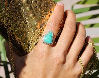 NAVAJO Handmade Kingman Turquoise Sterling Silver Ring