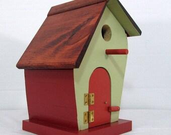Leaner Birdhouse #613