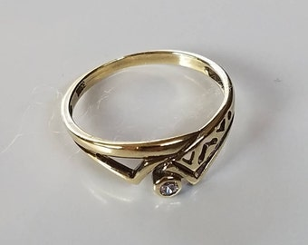 Vintage Gold Ring Cubic Zircon Ring Ladies Finger Ring Stacking Ring Vintage Jewelry Gold Jewelry Anniversary Gift Birthday Gift