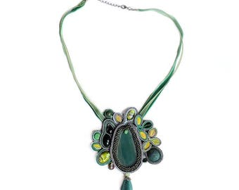 Soutache necklace - Green agate necklace - Soutache jewelry - Chunky necklace - Large jewelry - Big bold - Textile jewelry - Unusual jewelry