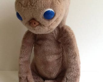1982 E.T. The EXTRA TERRESTRIAL Large Plush