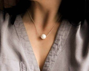Sterling Silver Necklace with Faux White Pearl Ball ・Minimalist ・Wedding Bridal ・Single Pearl