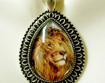 Lion teardrop pendant and chain - WAP15-205