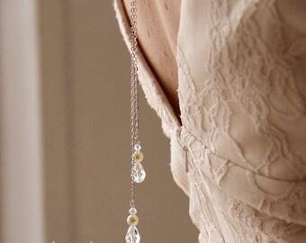Collier mariage de dos fine chaîne et cristal, collier pendentif mariage de dos perles en cristal - Bridal backdrop crystal necklace