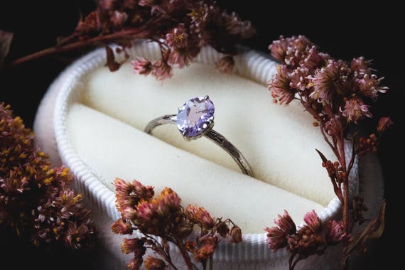 Lavender amethyst 14k gold classic engagement ring, solitaire amethyst engagement ring, vintage inspired twig engagement ring