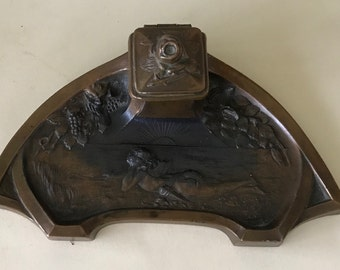 Art nouveau métal  inkwell with bronze patina and signed  DERRIEY