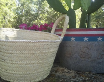 Straw Basket, straw bag, straw tote, beach bag, beach tote, straw handbag, woven purse, market basket, woven basket, palm leaf basket, sale