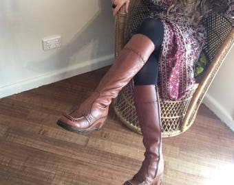 Stunning Tan 70's Boots, Knee High, Small Wedge, Leather Detailing, Rubber Sole, Little Hardware, Hippie, Gypsy, Boho, Size 7B 37/37.5 Euro