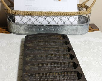 Vintage Lodge Cornbread Corn Stick Cast Iron Pan 7 Pockets, Recipe Included, Retro Kitchen