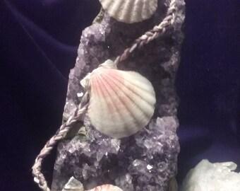 Triple seashell hair pin