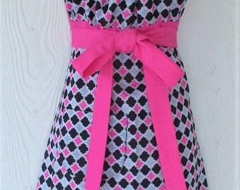 Pink & Black Apron, Halter Style Apron  Retro, Women's Full Apron, Quatrefoil, Empire Waist, KitschNStyle