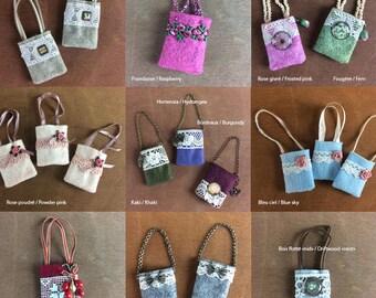 Felt handbags, lace, beads etc ... for Pullip dolls, Blythe, Barbie, Momoko etc ... Different models
