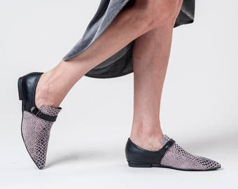 Womens Flat Shoes / Nude Leather Loafers / Blush Slip On Shoes / Python Pattern Flats / Unisex Elegnt Shoe / Snake Skin Print Shoe - Lorens