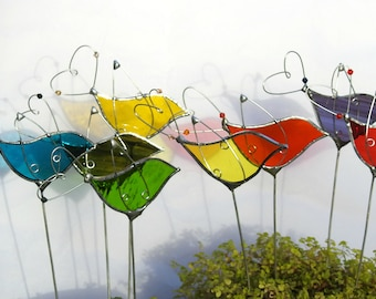 Stained Glass Bird Sun Catcher with Heart Tail,Flower Pot Stake,Plant Pot Art,Plant Stake,Spring,Easter,Birthday,Valentine,Mother's Day Gift