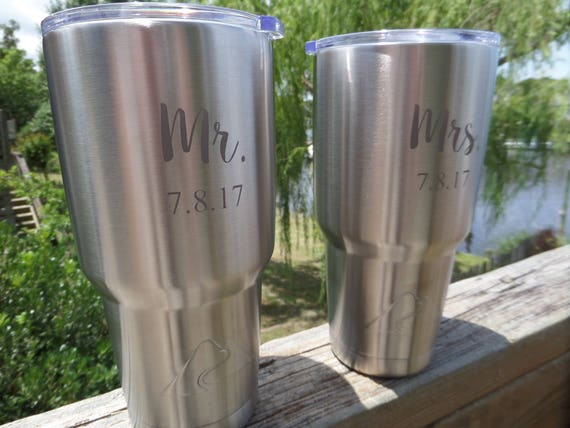 Mr and Mrs Stainless Tumbler Set Personalized Travel Mugs Wedding Gifts Stainless Travel Cup Insulated Tumbler Etched Tumbler His and Hers
