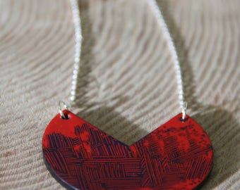 Necklace _ red graphic