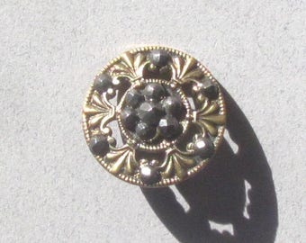 Openwork Brass Button With Fleur de Lis and Cut Steels