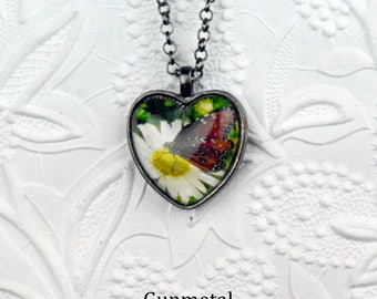 Monarch Butterfly on Daisy Photo Necklace Monarch Butterfly Necklace Daisy Necklace Photo Jewelry Butterfly Jewelry Daisy Jewelry