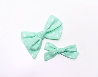 Fresh Spring Mint | Baby headband set, Baby bow Headbands, Small Bows, Newborn headbands, Nylon Headbands, Baby hair bows, mint bow