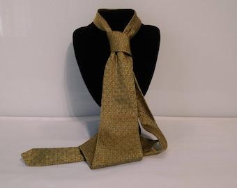 Necktie Vintage Designer Tie VanHeusen 100% Silk Necktie ~ Gold design Silk ~ Made in Australia ~ Very stylish!