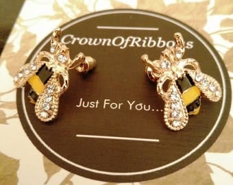 bee earrings, honey bee earrings, gold bee earrings,  bee jewelry, bumble bee earrings, bee stud earrings, rhinestone