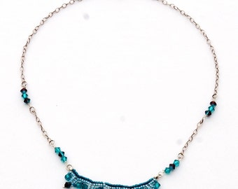 Beaded necklace with Swarovski crystals