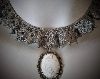 Vintage style crochet necklace