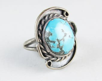 Vintage Silver and Turquoise Ring with Rope Detail, size 7