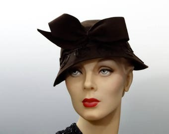 Brown Felt Tilt Calot with Large Bow, 1940's WW2 Women's Hat Fashions NY Creations