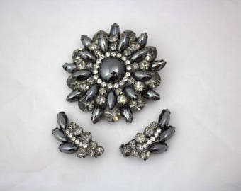 1950's Rhinestone And Slate Grey Flower Brooch And Matching Clip Earring Set / Pin Set / Mother Of The Bride