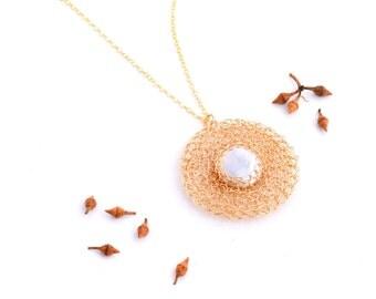 Bridal Pearl Necklace Pendant, Large Pearl Gold Necklace, Bridesmaids Jewelry, Pearl Coin Necklace, 14K Gold Filled Pendant Elegant Necklace