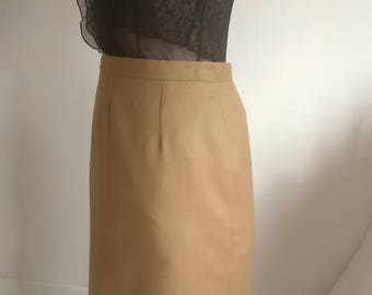 Vintage  pencil skirt size 16 by Gor-ray Pure wool camel
