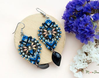 Blue-black macrame earrings, bohemian, minimalist, long, micro-macrame jewelry, beadwork, beadwoven, beaded, floral, petals, unique