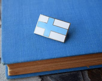 Finnish Flag Lapel Pin - Finland - Country Patriotism - Gift