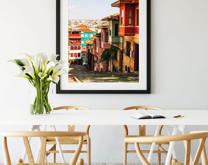 Featured listing image: Photographie Fine Art d'un quartier coloré d'Istanbul en Turquie - Toile Photo d'Istanbul - Turquie
