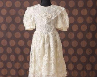 Jessica McClintock Gunne Sax Ivory Lace Girls Dress