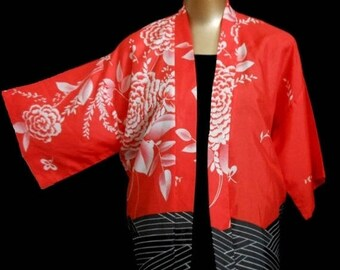 ON SALE Vintage 60s Kimono Jacket Abstract Floral Print Red White Black Silk Haori by Blue Hawaii Sportswear Honolulu, Size M to L