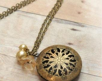 Antique Locket Necklace Victorian Locket Jewelry Pendant Locket Mothers Day Gift Necklace Jewelry Limonbijoux