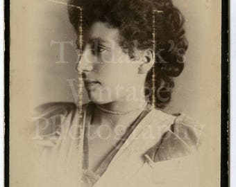 Cabinet Card Photo - Victorian Young Pretty Woman Curly Hair Profile Portrait - A P Speakman of Manchester England - Antique Photograph