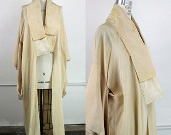 Vintage Kimono Hollywood Costume / 1940s 1950s Ivory Rayon / Columbia Pictures Movie Memorabilia / Rare Collectible