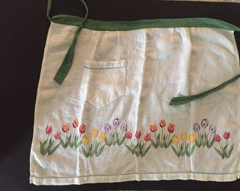 Vintage Embroidered Apron pinny Pure cotton Beautiful multicolour tulips hand embroidered 1 pocket For clothing women collector costume