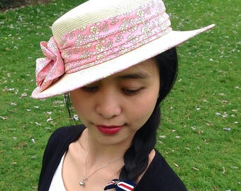 Hat with liberty draped ivory straw boater
