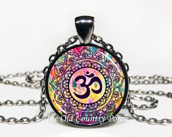 Om Necklace Henna Design-Glass Pendant Necklace/Mystic necklace/boho/bohemian jewelry/free spirit jewelry/gift for her