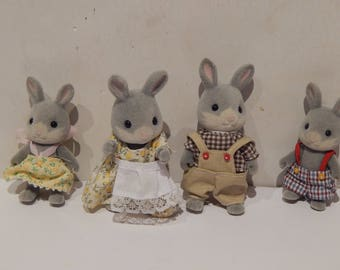 Calico Critter Cottontail Rabbit Family CC1628 Lot of 4